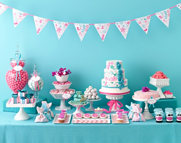 Teal-and-Pink-Dessert-Table